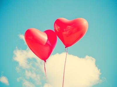 luftballons steigen lassen so wird die hochzeits berraschung ein erfolg. Black Bedroom Furniture Sets. Home Design Ideas
