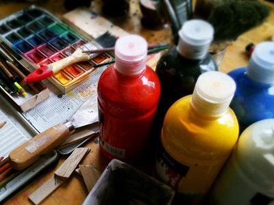 Bunte Farbflaschen