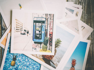 Stapel an Polaroidfotos