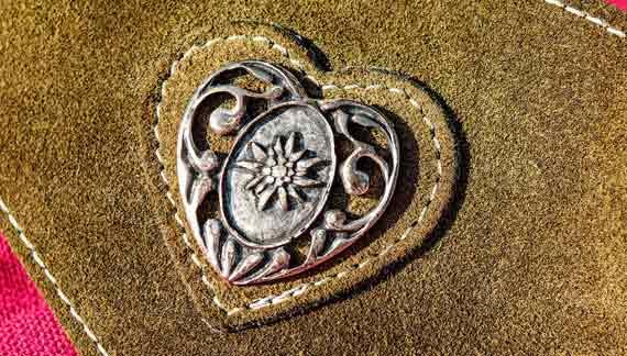 Herz auf Leder