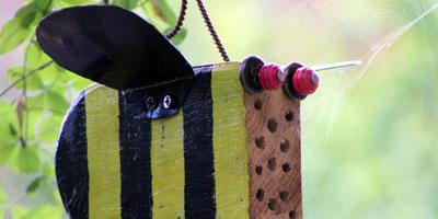 Bienen-Insektenhotel