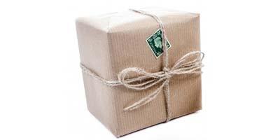 Paket mit Briefmarke